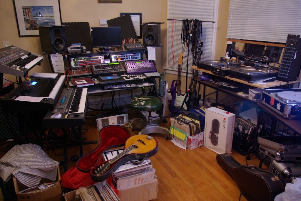 crappy-studio-apartment-crappy-studio-apartment-snapshots-of-the-studio